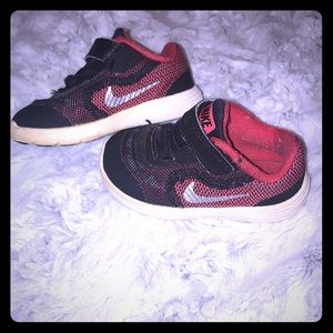 Nike tennis shoes toddler baby size 5c
